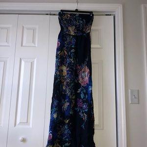Dresses & Skirts - Maxi Dress 👗